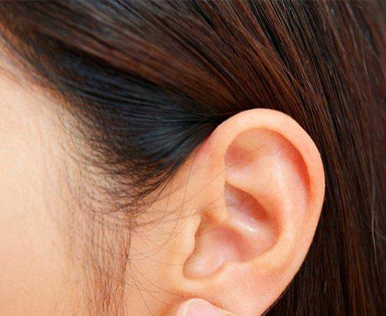http://akousis.com.br/como-limpar-corretamente-os-ouvidos/