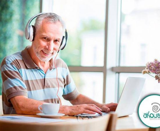 http://akousis.com.br/abaixa-essa-musica-menino/